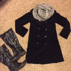 Bitten Sara Jessica Parker button up coat Good used condition! Has cropped sleeves and is a velvety material Bitten Sara jessica parker Jackets & Coats Pea Coats