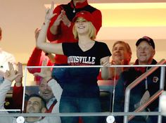 http://www.increaseverticaljumptips.com/ , Jennifer Lawrence with fans at the Louisville Cardinals basketball game. (December 27) ☻. ☺. ☺ ☻