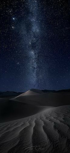 Death Valley under a perfectly clear night sky, Eastern California, North America, by Ted Gore Photography Cosmos, Africa Nature, Beautiful World, Beautiful Places, Clear Night Sky, Design Spartan, Ciel Nocturne, Affinity Photo, Death Valley National Park