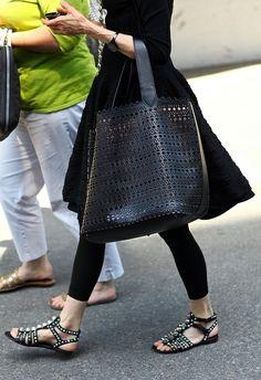 A-line Dress (or skirt) w/ Leggings, Gladiator Sandals & huge Bag