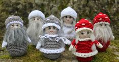 Steen in the cottage: Land Strawberry and empty old woman Crochet Doll Pattern, Crochet Dolls, Crochet Hats, Christmas Gnome, Christmas Crafts, Christmas Ornaments, Knitting Patterns, Crochet Patterns, Crochet Angels