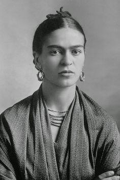 Cultura Inquieta - Raros y maravillosos retratos de la joven Frida Kahlo, por su padre Guillermo Kahlo