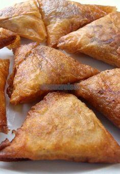 Detox Diet Drinks, Arabian Food, Spanish Dishes, Empanadas, Samosas, Latin Food, Sweet And Salty, International Recipes, I Love Food