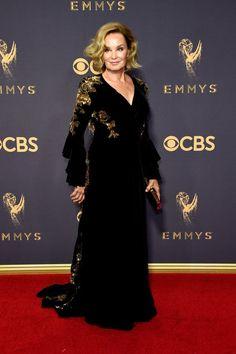 Jessica Lange amazing black and gold dress for Emmys 2017 Celebrity Red Carpet, Celebrity Dresses, Celebrity Style, Award Show Dresses, The Emmys, Gucci, Gold Dress, Dress Black, Red Carpet Dresses