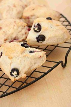 Forage for wild fruits to make this delicious and easy Huckleberry and Honey Scones recipe. Huckleberry Desserts, Huckleberry Pie, Good Healthy Recipes, Healthy Food, Cook Up A Storm, Breakfast Recipes, Scone Recipes, Dessert Recipes, Kitchens