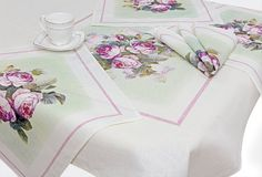 SUPER tablecloth with roses and napkins 100% linen/ Linen table cloth with roses/ White tablecloth and napkins another print, but for ourdoor party, where vintage linen might be stained, these have a place