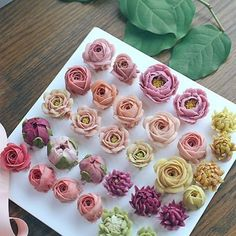 New Trends. – Futuristic Interior Designs Technology – Famous Last Words Frosting Flowers, Buttercream Flower Cake, Flower Cupcakes, Peony Cake, Cake Flowers, Buttercream Icing, Cake Decorating Techniques, Cake Decorating Tips, Cookie Decorating