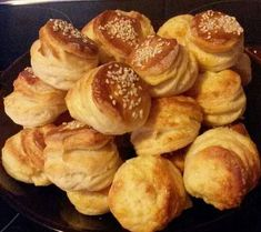 Szilveszteri gyors pogácsa Bread Recipes, Cooking Recipes, Appetisers, Pretzel Bites, Muffin, Food And Drink, Macaron, Yummy Food, Brot