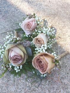 Petals Warwick RI.  Amnesia & Quicksand Rose Boutonnières.  Love them!