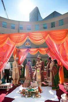 Indian Hindu wedding ceremony at Hyatt Regency Boston.  Image by Shaadi Bazaar