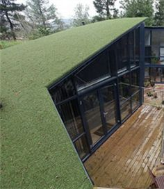 When other people are costing time to maintain their roof, you could install our artificial turf for roof. For the grass doesn't bring any pets, moss, pesticide, fertilizer belong to natural grass. If you do not know how to lay artificial turf, you can consult our sellers or ask for artificial grass installers.