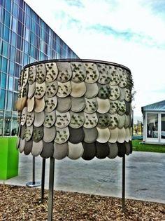 Prix Lille Design & le Prix Lille 3000 dans le cadre de Futurotextiles Awards 2012  Projet Motus Aline Petit et Clémentine Auger  Micro architecture verte composée de tuiles en feutre de lin thermo compressées et d'un sandwich textile vegetalisé