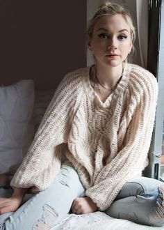 Dressing Your Truth Type Emily Kinney (not officially Typed) Beth Greene, The Cw, Emmy Kinney, Pretty People, Beautiful People, Annabelle Wallis, The Walking Dead 2, Emily Vancamp, Thing 1