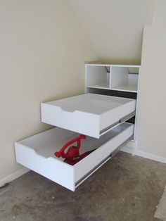 Long drawers for slanted ceilings