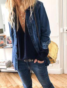 Yes to the man's denim shirt worn as a jacket! (photo Meleponym) Source by charlottevila Fashion 2020, Look Fashion, Paris Fashion, Winter Fashion, Outfits Hipster, Mode Outfits, Fashion Outfits, Hipster Clothing, Babywearing
