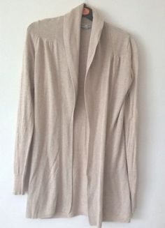 À vendre sur #vintedfrance ! http://www.vinted.fr/mode-femmes/pull-overs-and-sweat-shirts-cardigans/26323102-gilet-long-beige