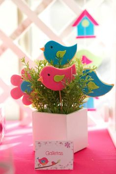 Resultado de imagen para flower and birds birthday invitations Kids Crafts, Felt Crafts, Diy And Crafts, Paper Crafts, Bird Party, Bird Theme, Baby Shower, Ideas Para Fiestas, Party Centerpieces