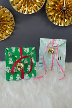 festive favor bags for holiday treats!