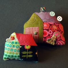 The best (quilt-)girls friends...   ...tiny...  ...home sweet home...  ...eco-friendly...  ...colorful...  ...big...  ...new.