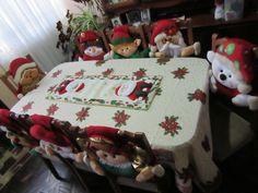 cubresillas hermosos Desserts, Ideas, Molde, Girl Baptism Party, Table Runners, Nativity Sets, Holiday Ornaments, Game, Needlepoint