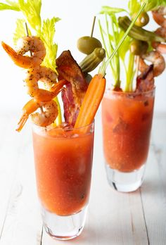 Want to make the absolute BEST Bloody Mary Mix at home? Check out our secret homemade bloody mix recipe with fresh juice and spices! Best Bloody Mary Mix, Homemade Bloody Mary Mix, Best Bloody Mary Recipe, Bloody Mary Bar, Bloody Mary Recipes, Drinks Alcohol Recipes, Cocktail Recipes, Cocktails, Drink Recipes