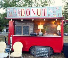 New Wedding Food Truck Friends Ideas Mini Camper, Foodtrucks Ideas, Food Truck Wedding, Best Food Trucks, Food Vans, Festivals, Food Truck Design, Mini Donuts, Doughnuts