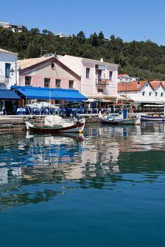 Katakolon in Greece is the gateway to ancient Olympia. Med Cruises, Top Ski, Explore Dream Discover, Ocean Scenes, Homeland, Venetian, Olympia, Croatia, Venice