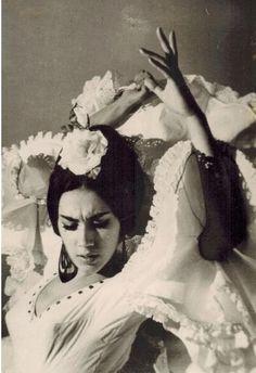 #bailaora #flamenco años sesenta. Traje de www.lina1960.com