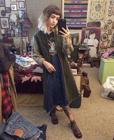Blog Vintage Hipster, Vintage Grunge, Mantel Jacke, Grunge Fashion, Alternative Fashion, Vintage Clothing, Vintage Fashion, Hipster Girl Outfits, Hipster Girls
