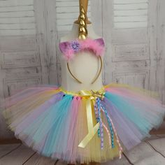 Tutu skirt, baby unicorn costume and little girl. Pastel colors with a unicorn headband. Unicorn Dress, Unicorn Headband, Fete Anne, Halloween 2019, Halloween Costumes, Unicorn Princess, Baby Skirt, Pastel Colors, Tulle