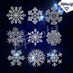 Christmas Mandala, Beaded Christmas Ornaments, Christmas Crafts, Dot Art Painting, Mandala Painting, Painting Snowflakes, Mandala Painted Rocks, Snow Flower, Rhinestone Art