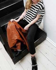 The cool leather jacket Vibes Venice in Whiskey   http://mbym.dk/collections/overtoj/products/vibes-leather-jacket-whiskey