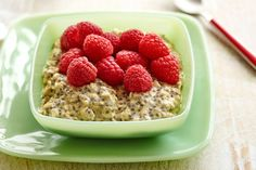 Healthy Breakfast Recipes: Dreamsicle Overnight Oatmeal Parfait, Vanilla Overnight Oats with Raspberries Raspberry Overnight Oats, Vanilla Overnight Oats, Overnight Oatmeal, Oats Recipes, Healthy Recipes, Ww Recipes, Healthy Breakfast Recipes, Healthy Breakfasts, Healthy Food