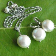 Pearl pendant and earrings set - Single pearl pendant necklace jewelry #PearlPendant #PearlEarrings #PearlPendantSet  $70.00