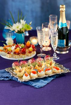 Bästa drinktilltuggen till nyår Party Food And Drinks, My Plate, New Years Party, Canapes, Something Sweet, Tapas, Special Occasion, Food Porn, Brunch