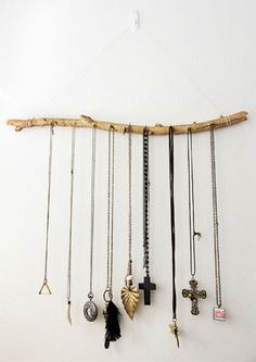 http://storage.canalblog.com/48/48/445353/76413403.jpg Perfect for all my necklaces