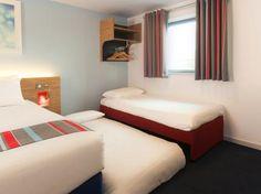 Travelodge Cheshunt (**)  GUALTIERO SALVATORE EKWEN has just reviewed the hotel Travelodge Cheshunt in Cheshunt - United Kingdom #Hotel #Cheshunt  http://www.cooneelee.com/en/hotel/United-Kingdom/Cheshunt/Travelodge-Cheshunt/1965315