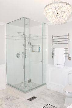 AM Dolce Vita: Master Bathroom