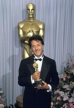 """Dustin Hoffman en los premios de la Academia de 1989, ganó a mejor actor en un papel principal por """"Rain Man""""."""