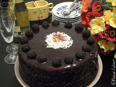 Tort cu mousse de ciocolata si mascarpone Cake, Desserts, Places, Food, Mascarpone, Tailgate Desserts, Deserts, Food Cakes, Eten