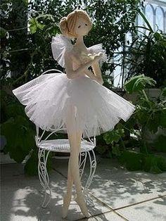 bailarina com moldes como prometi meninas. Bjd Doll, Doll Toys, Dolls Dolls, Rag Dolls, Ballerina Doll, Doll Tutorial, Paperclay, Sewing Dolls, Waldorf Dolls