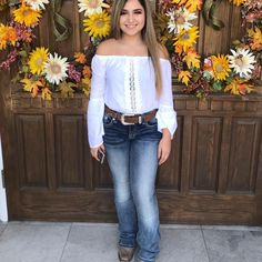 Related posts:Over 30 great summer outfits that you can copy now - Street Style - Bell bottom jeans Trendy birthday surprise boyfriend bedroom life. Western Outfits, Summer Cowgirl Outfits, Cowgirl Outfits For Women, Cowboy Boot Outfits, Cowgirl Style Outfits, Country Style Outfits, Rodeo Outfits, Country Fashion, Dance Outfits