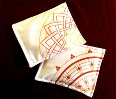 Saquitos de semillas con diseño de mandalas