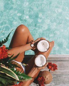 "108.1 mil curtidas, 591 comentários - LAUREN BULLEN (@gypsea_lust) no Instagram: ""Morning essentials, coconuts are life @Cluse #MySpringMoments #Cluse"""
