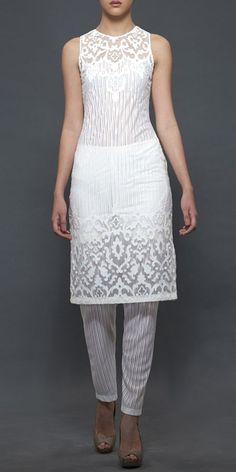 Plain White Kurti with Striped churidar - subtle and different Indian Attire, Indian Ethnic Wear, Pakistani Outfits, Indian Outfits, Ethnic Fashion, Asian Fashion, Anarkali, Lehenga, Patiala Salwar