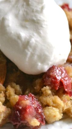 Cherry Almond Crisp ~ Homemade Cherry Crisp, packed with almonds and ...