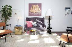 Simple and posh feminine living room [Design: Birdhouse Interior Design] Cheap Rustic Decor, Cheap Home Decor, Home Decor Items, Eclectic Living Room, Small Living Rooms, Living Room Designs, Modern Living, Living Room Furniture, Living Room Decor