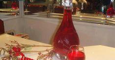 Τις προάλλες θαύμαζα στο blog της Νίκης  το υπέροχο χρώμα που είχε το δικό της λικεράκι!  Τα υλικά μας ίδια, οι χρόνοι παρασκευής ήταν διαφ... Sweet Words, Hot Sauce Bottles, Food, Liqueurs, Greece, Drinks, Greece Country, Beverages, Soft Words