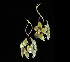 Bridal Flower EarringsWedding Statement by BonTonJoyaux on Etsy