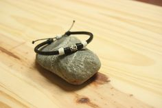 Bracelet Cuir, Bracelets, Tea Pots, Sunglasses Case, Etsy, Outdoor Fabric, Black Metal, Flasks, Lobster Clasp